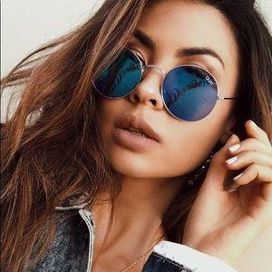 Quay Australia mod star ⭐️ sunglasses